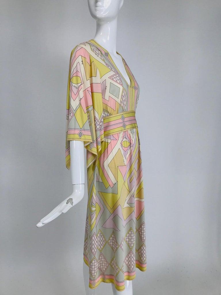Emilio Pucci Vintage Silk V Neck Kimono Sleeve Day Dress  For Sale 4
