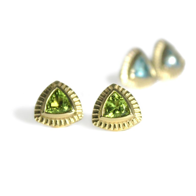Trillion Cut Emily Kuvin Gold and Peridot Trillion Stud Earrings For Sale