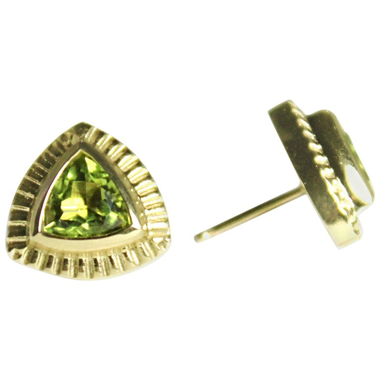 Emily Kuvin Gold and Peridot Trillion Stud Earrings For Sale