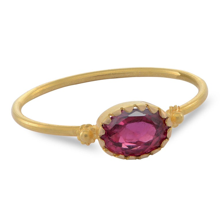 Emma Chapman Red Spinel 18 Karat Yellow Gold Stacking Ring In New Condition For Sale In Frome, GB