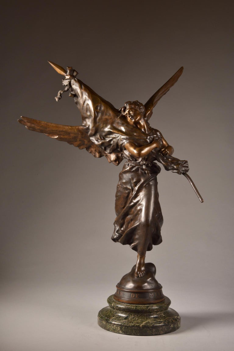 Early 20th Century Very impressive /large ( 97cm) statue, E. Hannaux (1885-1934), 'Love of the Flag For Sale