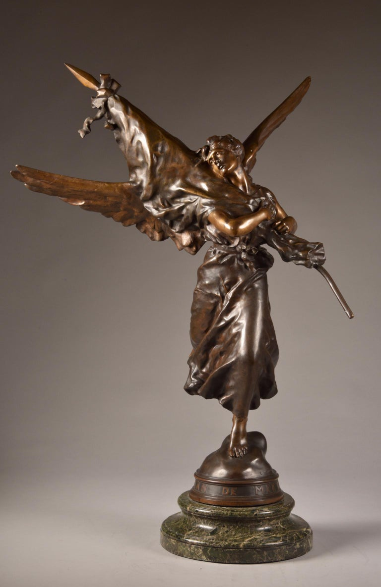 Bronze Very impressive /large ( 97cm) statue, E. Hannaux (1885-1934), 'Love of the Flag For Sale