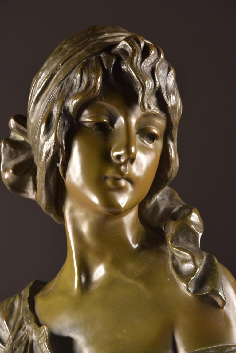 Beautiful bronze bust of Emmanuel Villanis with beautiful patina, signed.  Dimensions: 53 × 35 × 22 cm Weight: 17 kg.