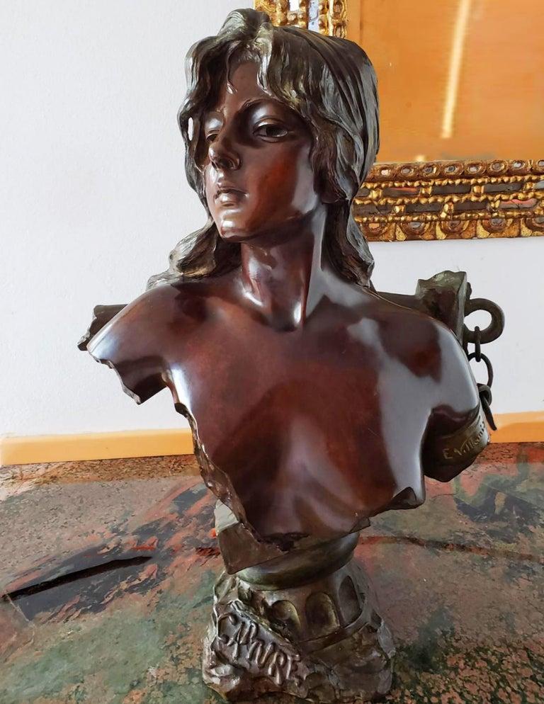 Capture - Slave Girl Bronze For Sale 3
