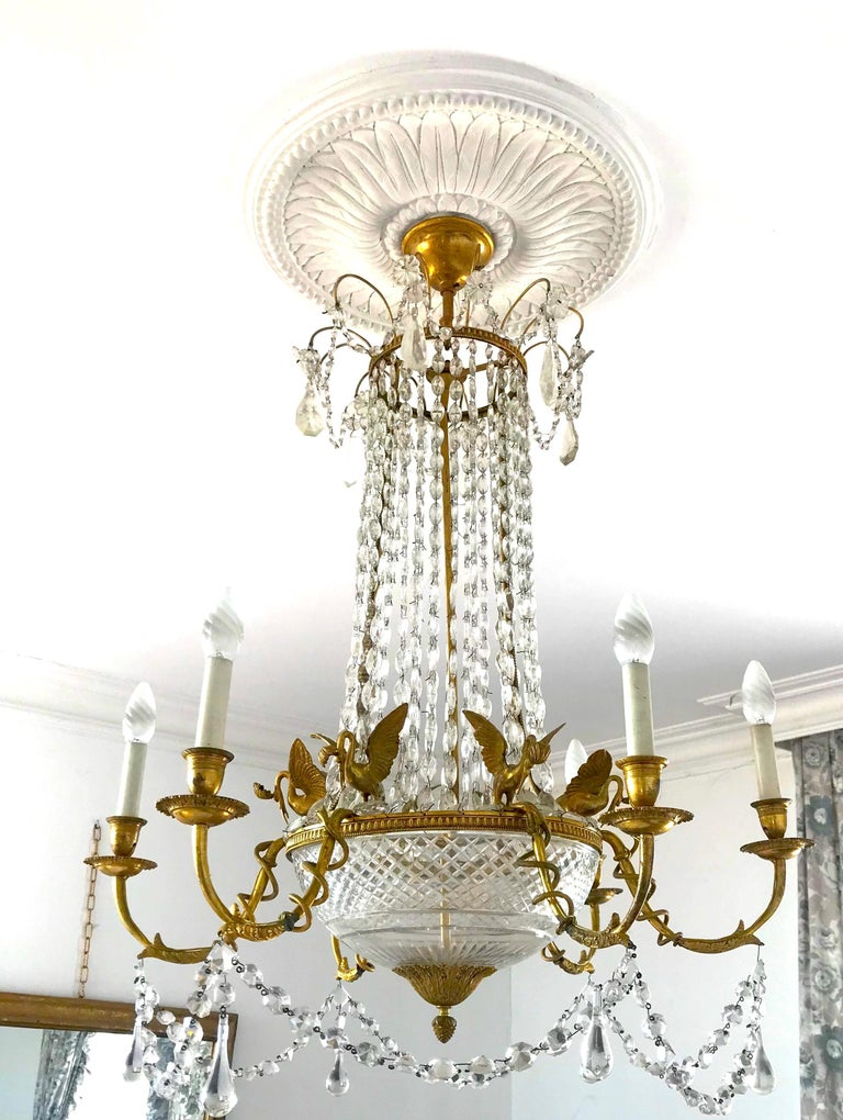 Empire Gilt Bronze and Cut Crystal Chandelier, circa 1815 In Distressed Condition For Sale In Rome, IT