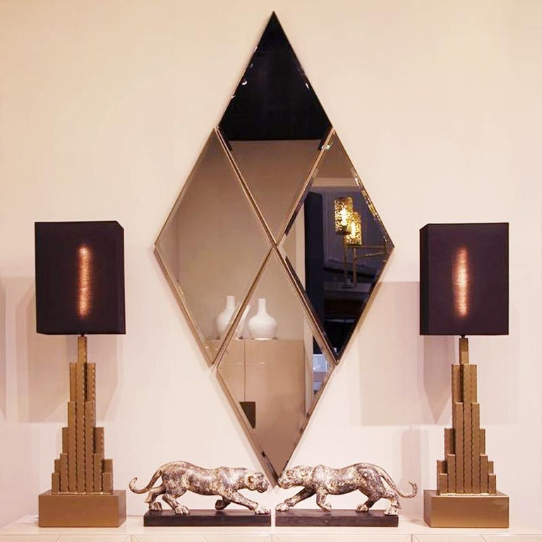 Empire State Table Lamp in matt Gold Finish In New Condition For Sale In Paris, FR