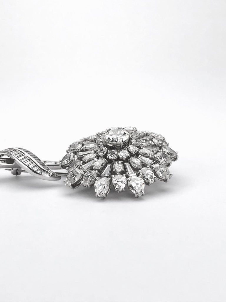 En Tremblant Platinum 16.00 Carat Diamond Flower Brooch In Excellent Condition For Sale In New York, NY