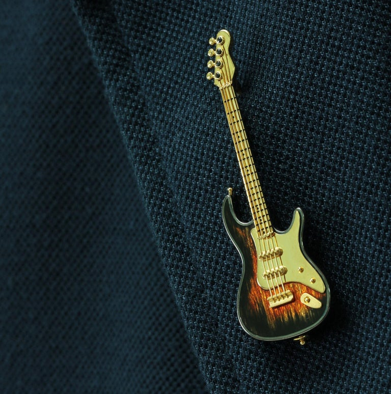 Contemporary Enamel and Sapphire Guitar 18 Karat Yellow Gold Brooch For Sale