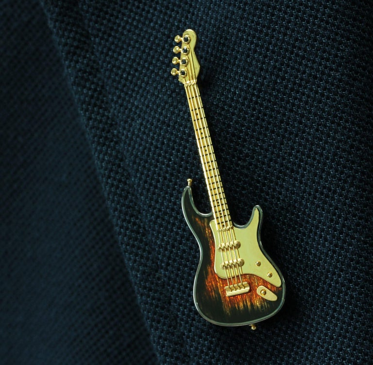 Enamel and Sapphire Guitar 18 Karat Yellow Gold Brooch For Sale 3
