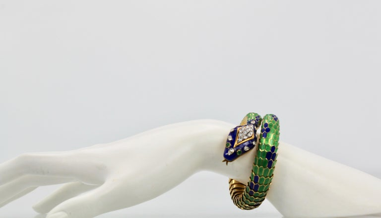 Enamel Articulated Snake Serpent Bracelet Diamond Head 18 Karat For Sale 4