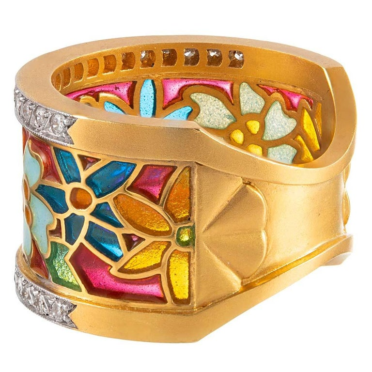 Masriera Enamel and Diamond Floral Motif Ring In Excellent Condition For Sale In Carmel-by-the-Sea, CA