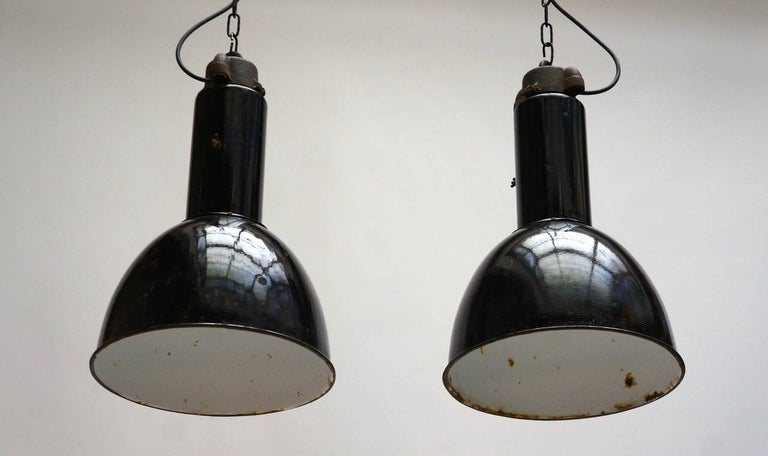Enamel Industrial Factory Pendant Lights In Good Condition For Sale In Antwerp, BE