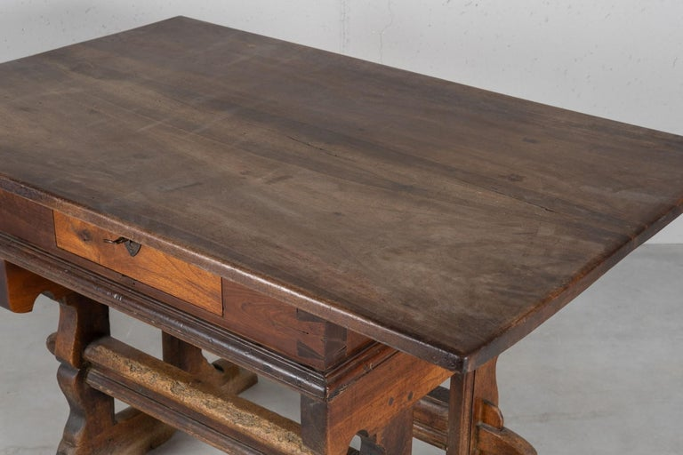 Engadinese Table, Engadine, circa 1600 For Sale 2