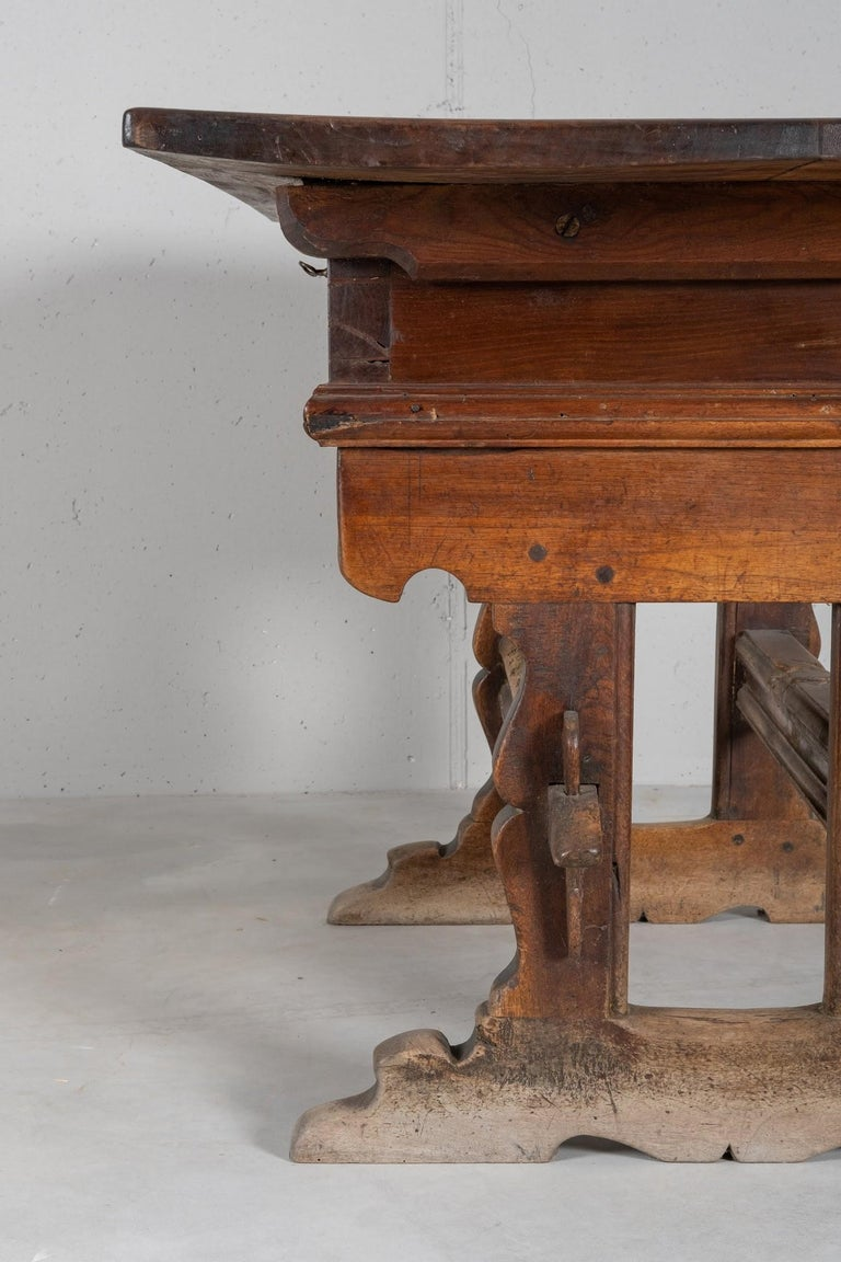 Engadinese Table, Engadine, circa 1600 For Sale 3