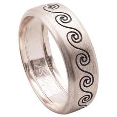 Engagement Satin 18 Karat White Gold Wave Unisex Design Ring