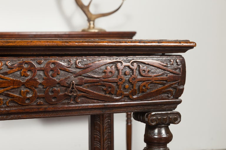 English 1800s George III Oak Console Table with Carved Drawer and Ionic Capitals For Sale 4
