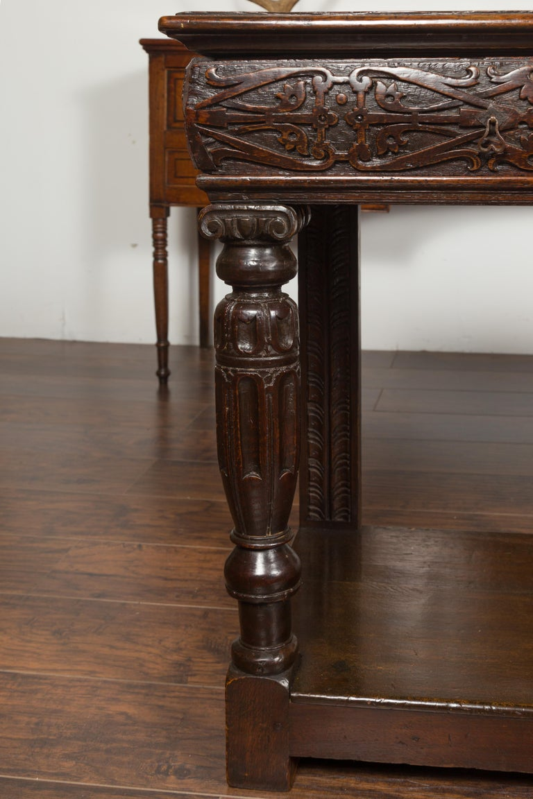 English 1800s George III Oak Console Table with Carved Drawer and Ionic Capitals For Sale 5