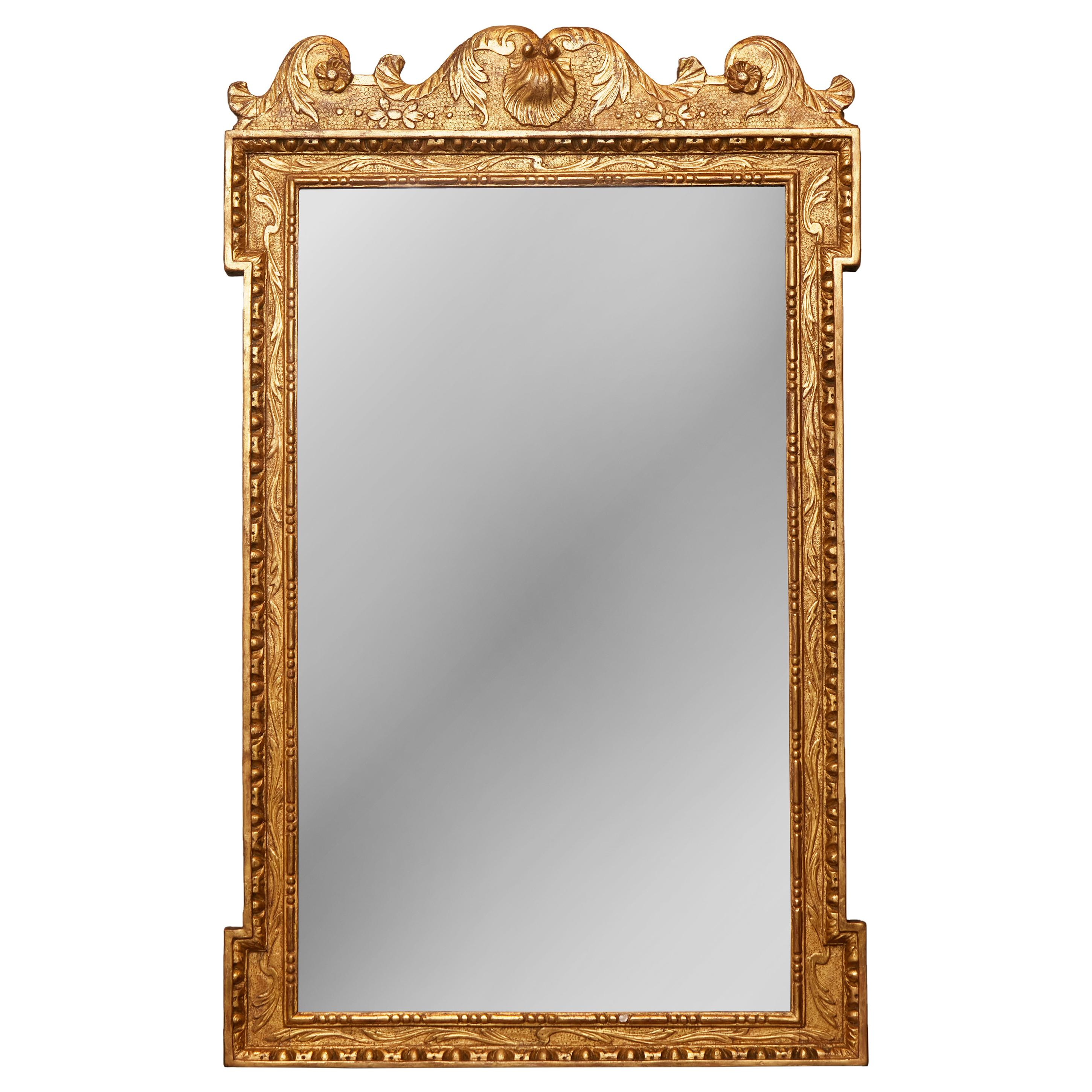 English 1800s Georgian Period Carved Giltwood Mirror with Shell and Foliage