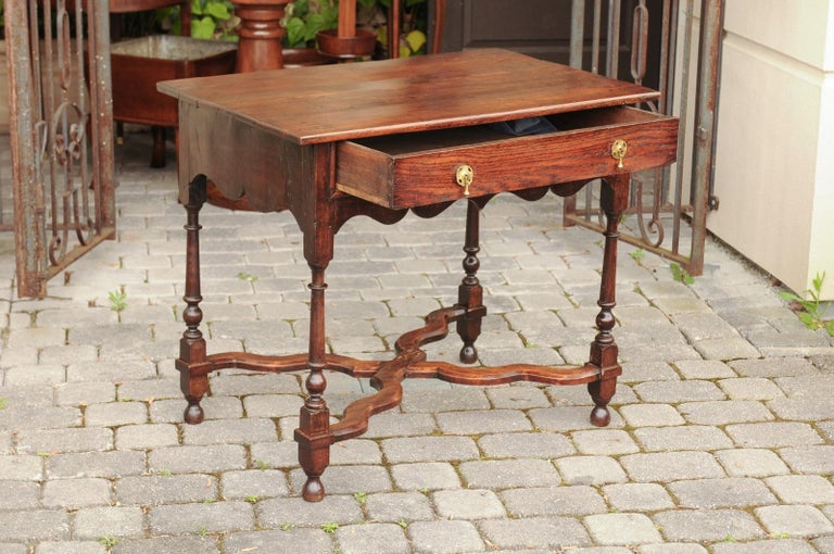 English 1840s Oak Side Table with Turned Legs and Curving X-Form Cross Stretcher In Good Condition In Atlanta, GA