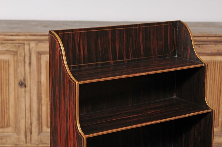 English 1850s Faux-Painted Waterfall Bookcase with Gilt Accents and Tapered Legs For Sale 6