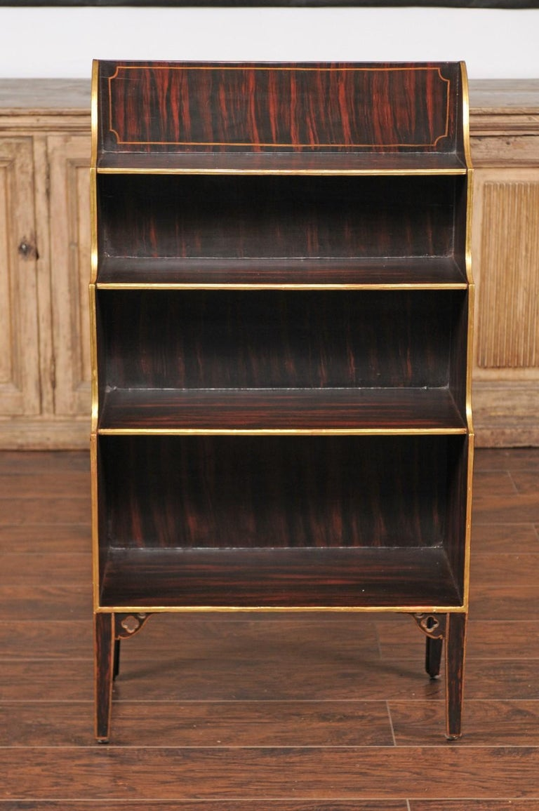 English 1850s Faux-Painted Waterfall Bookcase with Gilt Accents and Tapered Legs For Sale 3