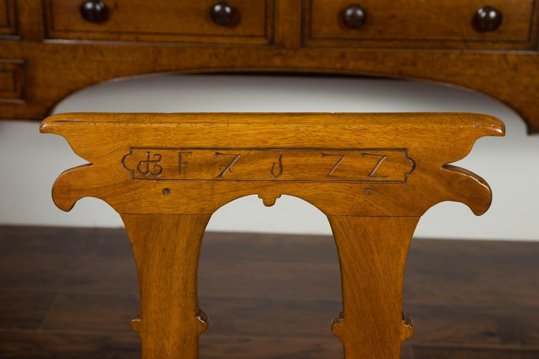 English 1850s Oak Chair with Pierced Back, Carved Inscription and Wooden Seat For Sale 1