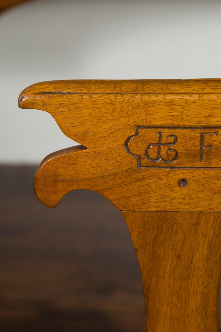 English 1850s Oak Chair with Pierced Back, Carved Inscription and Wooden Seat For Sale 3
