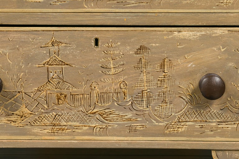 English 1860s Painted Chinoiserie Four-Drawer Chest with Ogee Bracket Feet For Sale 5