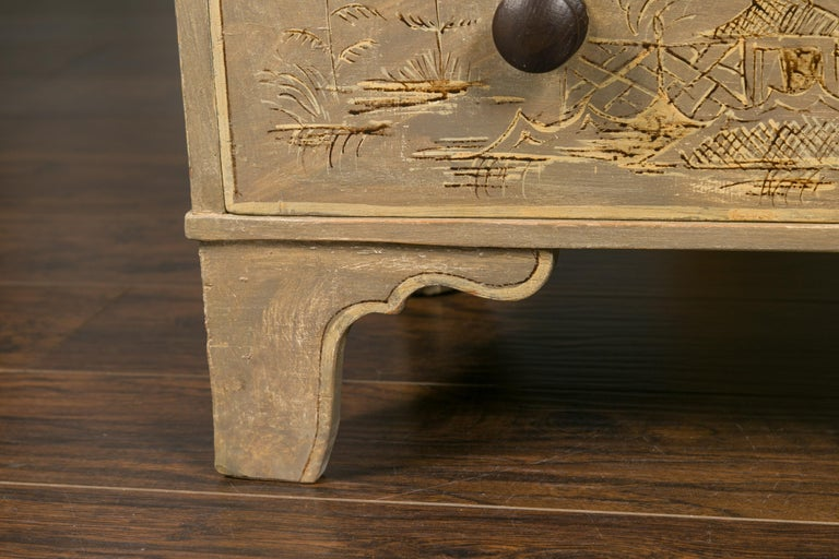 English 1860s Painted Chinoiserie Four-Drawer Chest with Ogee Bracket Feet For Sale 4