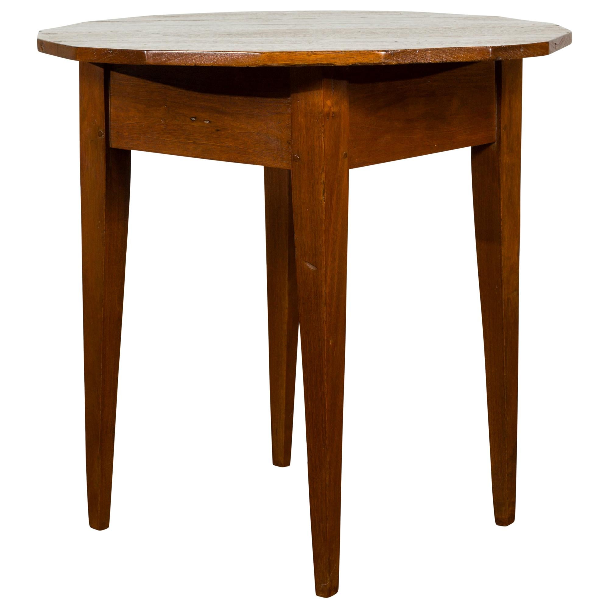 English 1860s Walnut Side Table with Polygonal Top and Tapered Legs