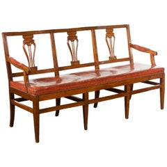 English 1860s Walnut Three-Seat Bench with Leather Seat and Carved Splats