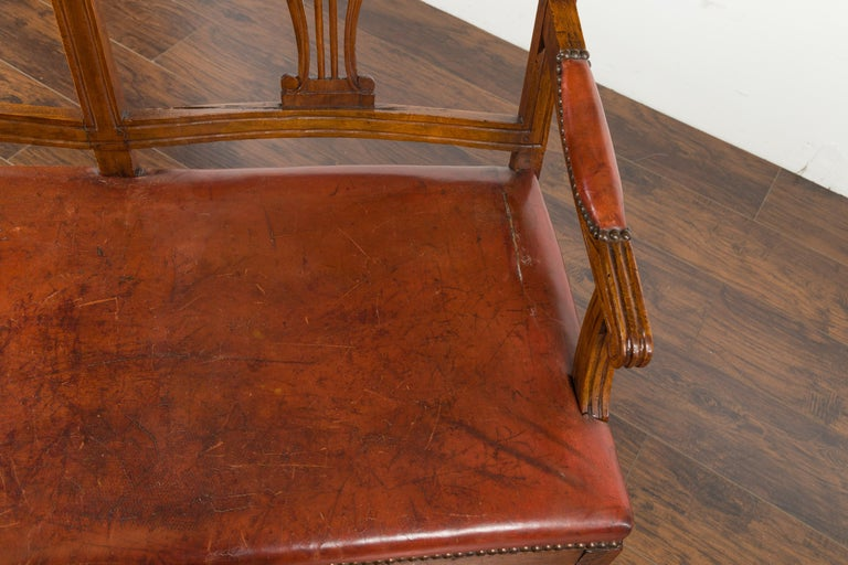 English 1860s Walnut Three-Seat Bench with Leather Seat and Carved Splats For Sale 8