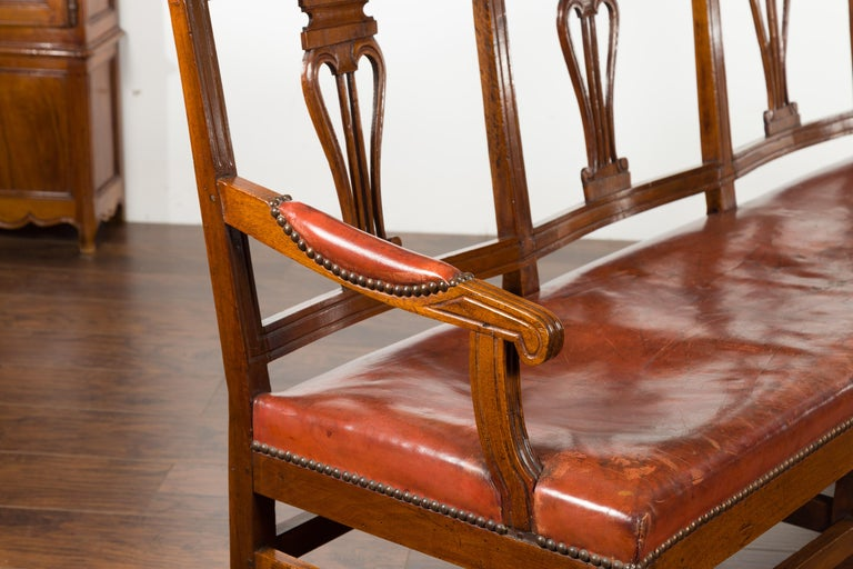 English 1860s Walnut Three-Seat Bench with Leather Seat and Carved Splats For Sale 10