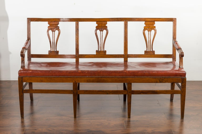 English 1860s Walnut Three-Seat Bench with Leather Seat and Carved Splats In Good Condition For Sale In Atlanta, GA