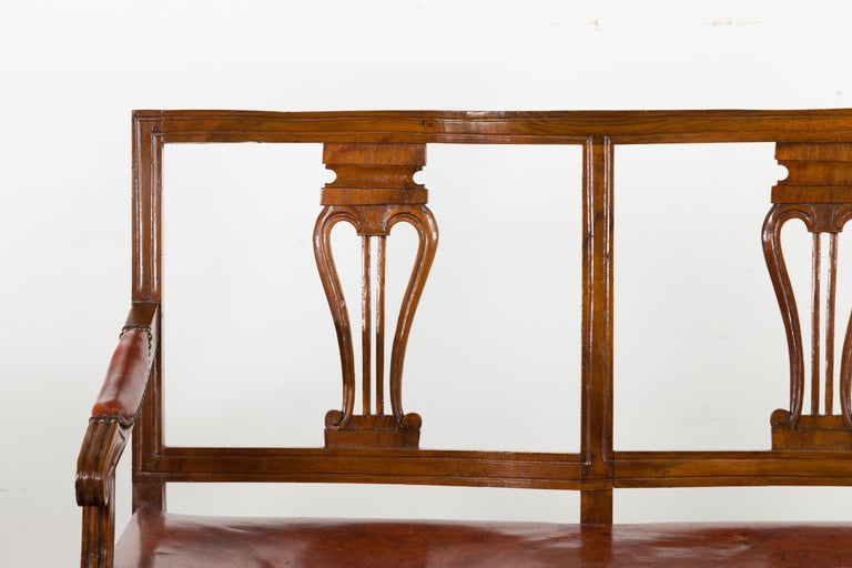 19th Century English 1860s Walnut Three-Seat Bench with Leather Seat and Carved Splats For Sale