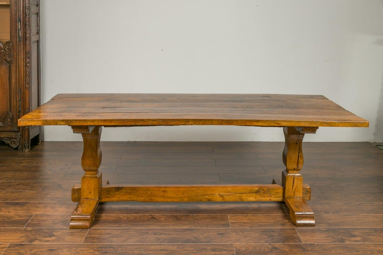 English 1870s Elm and Walnut Farm Table with Trestle Base and Baluster Legs In Good Condition For Sale In Atlanta, GA