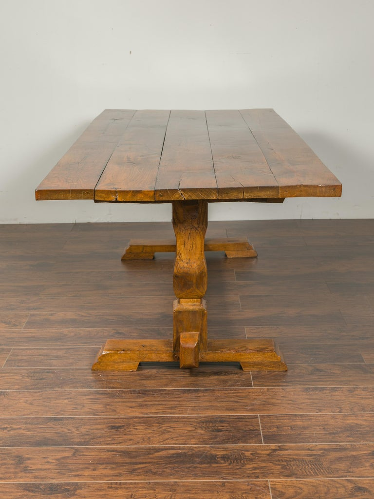 English 1870s Elm and Walnut Farm Table with Trestle Base and Baluster Legs For Sale 2