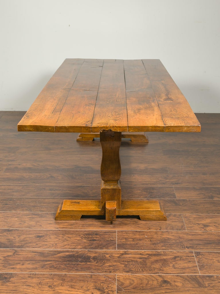 English 1870s Elm and Walnut Farm Table with Trestle Base and Baluster Legs For Sale 5