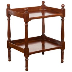 English 1870s Mahogany Tiered Table with Turned Legs and Low Shelf and Finials