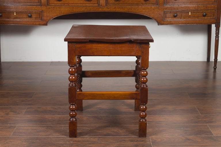 English 1870s Oak Bobbin Leg Side Table with Single Drawer and Stretchers For Sale 9