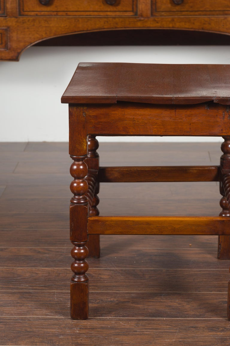 English 1870s Oak Bobbin Leg Side Table with Single Drawer and Stretchers For Sale 10