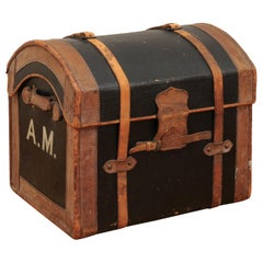 English 1880s Rustic Brown and Black Leather Trunk with Side Monogram