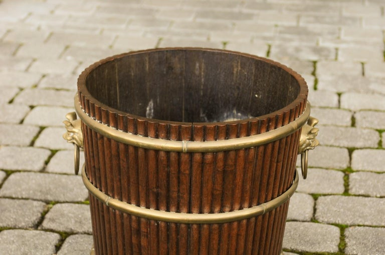 19th Century English 1880s Wood Bucket Planter with Reeded Motifs and Stylized Brass Bulls For Sale