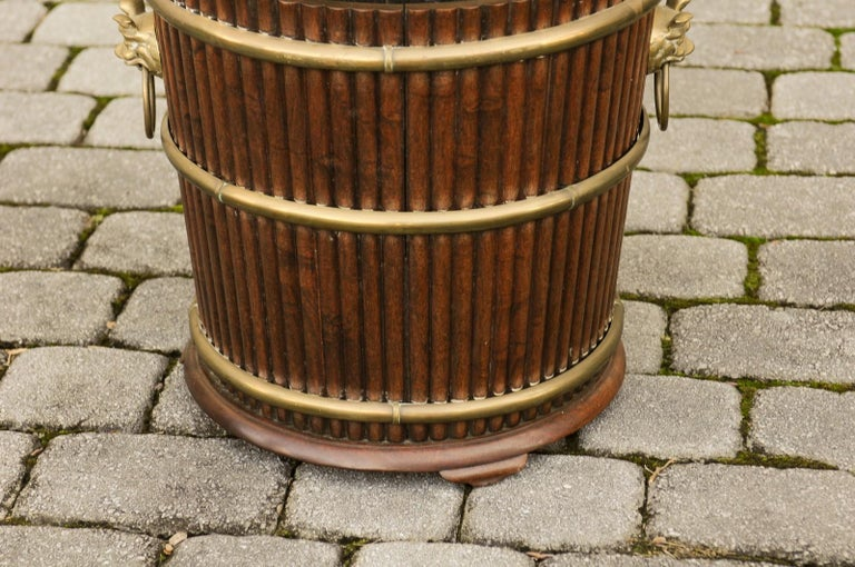 English 1880s Wood Bucket Planter with Reeded Motifs and Stylized Brass Bulls For Sale 1