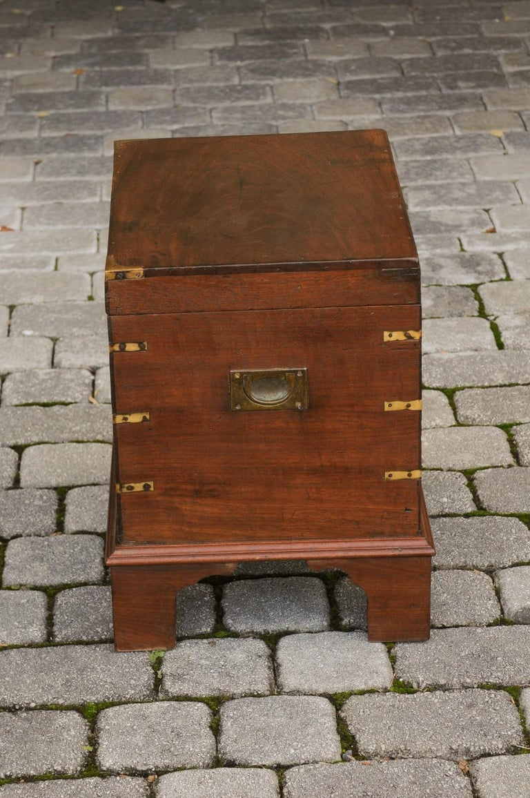 English 1890s Campaign Mahogany Cellarette with Brass Accents and Bracket Feet 11