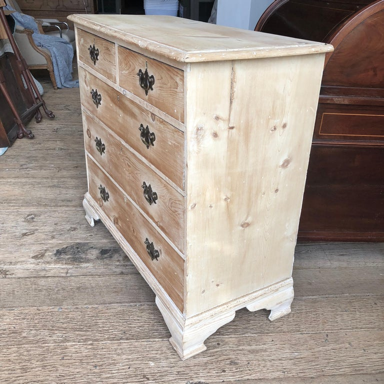 English 18th Century Bleached Pine Chest of Drawers For Sale 4