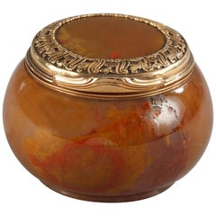 English 18th Century Gold-Mounted Agate Snuff-Box