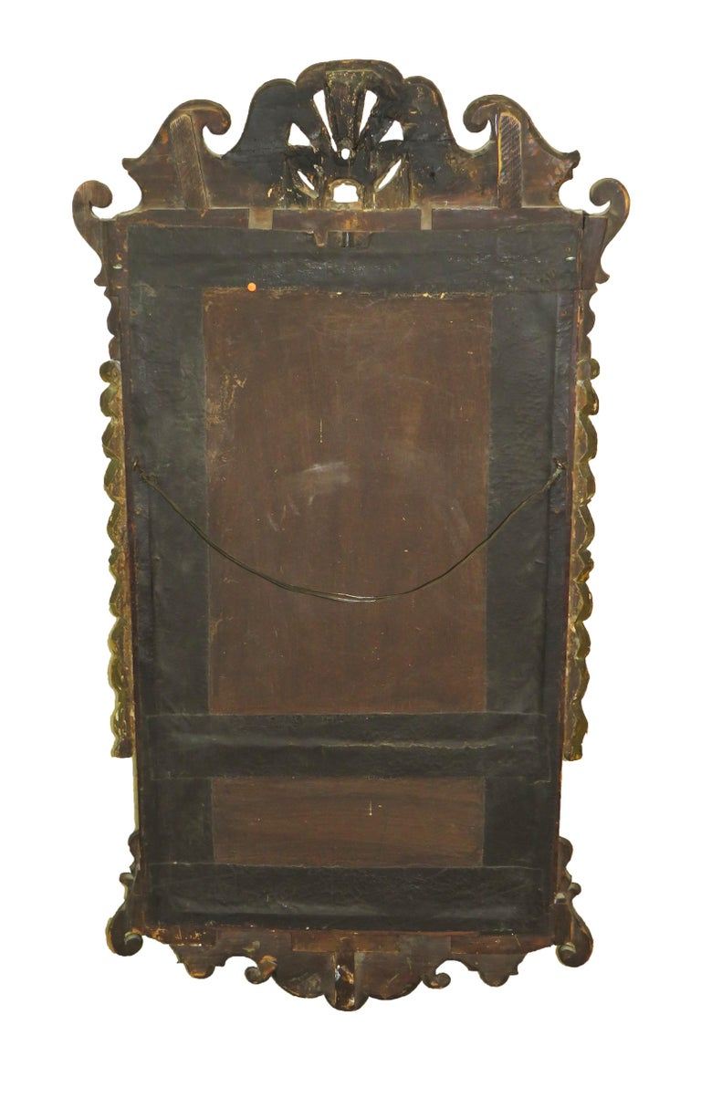 English 18th Century Walnut and Gilt Georgian Antique Wall Mirror For Sale 2