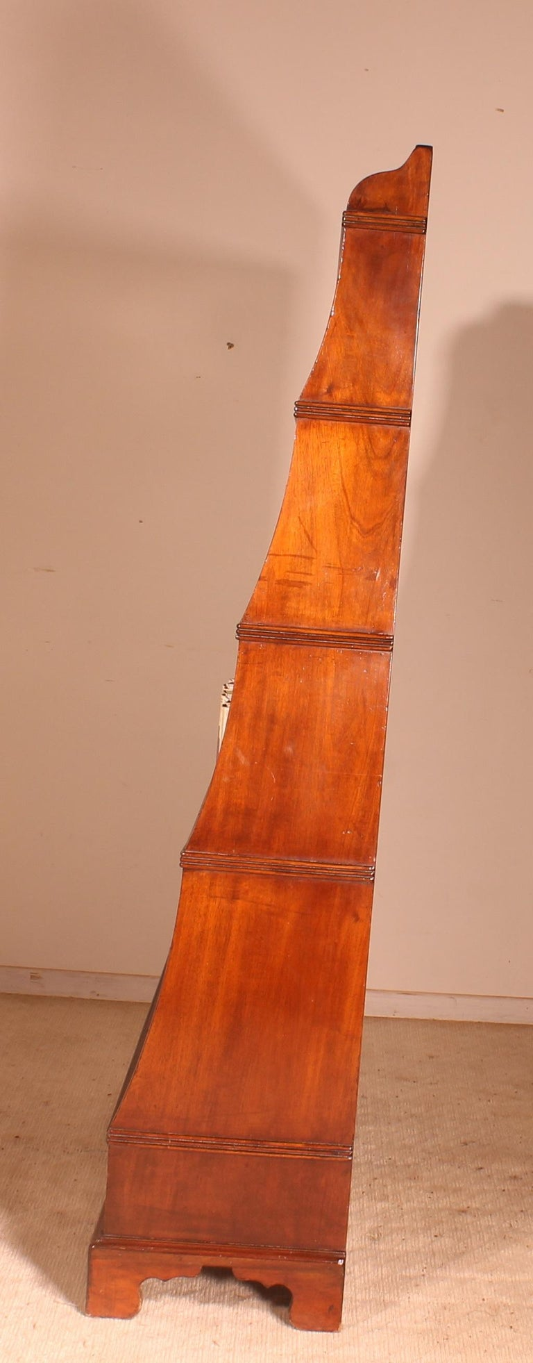 English 19th Century Waterfall Bookcase in Mahogany For Sale 1