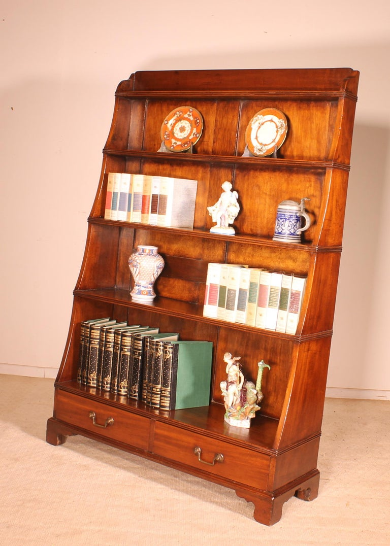 English 19th Century Waterfall Bookcase in Mahogany For Sale 2